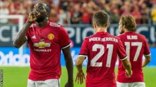 Romelu Lukaku amaze kwinjiza mu nkino zose zibiri amaze gukinira Man Utd