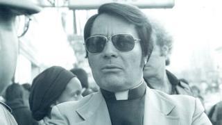 O reverendo Jim Jones