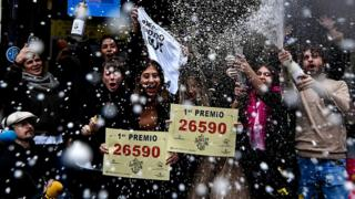 This year's winning ticket number for Spain's Christmas lottery - with a maximum prize of €400,000 - was 26590