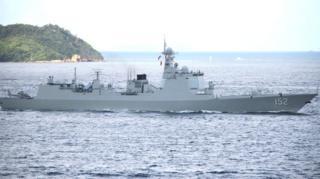 濟南號驅逐艦進入維多利亞港(台灣中央社圖片7/7/2017)