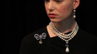 Model wears Queen Marie-Antoinette's pearl necklace, which is up for auction in Geneva on 14 November 2018