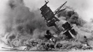 """Взрыв на линкоре """"Аризона"""", Перл-Харбор, 7 декабря 1941 года"""