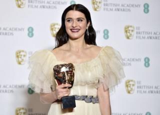 En iyi yardımcı kadın oyuncu kategorisinde Rachel Weisz ödül kazandı