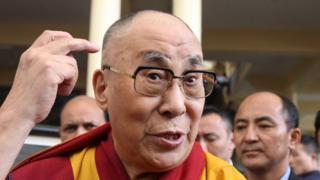 除了APP,達賴喇嘛還擁有一個有著1600多萬追隨者的推特賬戶。