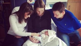 Melissa, Laura Mott, el esposo de Melissa y la bebé (Foto: Laura Mott)