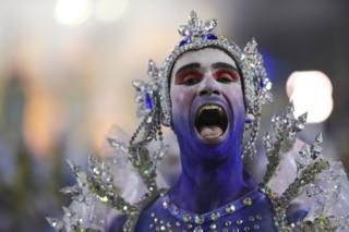 A member of Unidos de Vila Isabel Samba School performs during the parade at 2019 Brazilian Carnival at Sapucai Sambadrome on March 04, 2019 in Rio de Janeiro, Brazil
