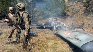 Пакистанские военные сопроводили свое заявление о сбитых самолетах фотографиями
