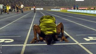 Bolt memegang rekor 100m dunia dengan waktu 9,58 detik.
