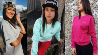 Modelo com roupas da marca