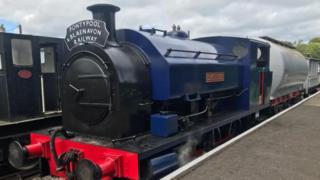 tren Rheilffordd Pont-y-Pŵl a Blaenafon