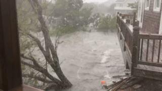 Hurricane Dorian: 'Hundreds trapped' on N Carolina island