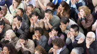 Descrença na política provocou comportamento agressivo e indiferente de eleitores, dizem especialistas