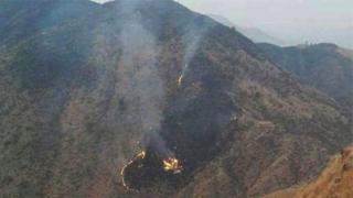 Место крушения самолета в Пакистане