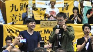 林飞帆(右)是太阳花学运领袖之一(资料图片)