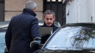 Nicolas Sarkozy ayaa sheegay in aan cadayn dhab ah loo haynin eedaymaha loo soo jeediyay