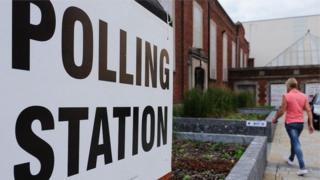 مركز اقتراعي في بريطانيا