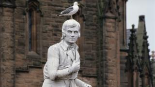 Seagull on Robert Burns