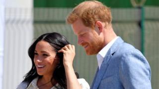 الأمير هاري وزوجته ميغان خلال زيارة جنوب أفريقيا