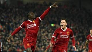 Sadio Mane mu munezero inyuma yo kwinjiza igitego ca gatatu ca Liverpool