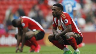 Germain Defoe ntiyashoboye gukiza Sunderland