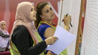 فرز الأصوات فى الانتخابات التونسية