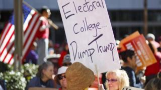 المجمع الانتخابي يستعد للتصويت على تثبيت انتخاب دونالد ترامب رئيسا