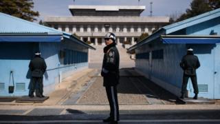 تفصل منطقة منزوعة السلاح بين الكوريتين