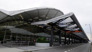 Car pick-up and drop-off area at Hong Kong International airport