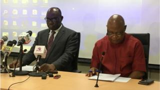 NERC oga kpata-kpata, James Momoh (left) tok dis one for press conference wit tori pipo on Monday