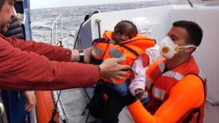 beba na brodu