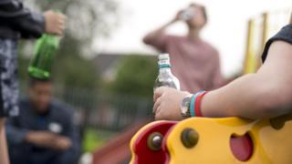 13세~17세 음주자 50명이 이번 조사에 참여했다