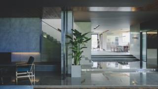 Film set of the Park's apartment in Parasite