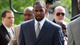 USA: une campagne contre R. Kelly pour abus sexuel