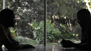 Abahuza ibitsina babisangiye muri Uganda ntibemerewe kuvyamamaza