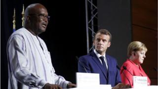 Roch Marc Christian Kaboré, Emmanuel Macron et Angela Macron au sommet du G7
