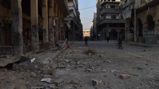 ebruary 12, 2018 - Syria, Damascus Gouta Douma, Syria - Airstrikes pummel besieged Eastern Ghouta