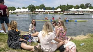 Henley regatta spectators