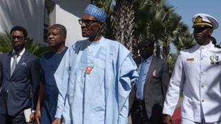 Aarẹ Buhari pẹlu awọn ọmọ igbimọ rẹ kan