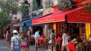 Restaurantes en el Barrio Latino de París.
