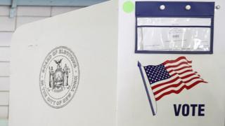 Кабинка для голосования в США