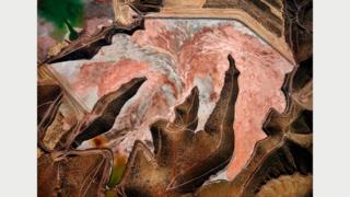 Рудник Моренси #1, Клифтон, Аризона, США, 2012 г.: главный медедобывающий регион Соединенных Штатов. Фото Эдварда Буртинского (Flowers Gallery, London/Metivier Gallery, Toronto)
