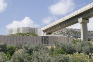 Вид дорог на Западном берегу