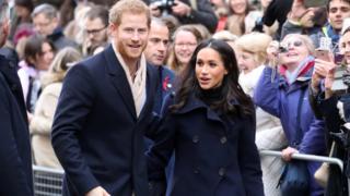 Hoàng tử Harry và cô Meghan Markle dự hội chợ từ thiện ở Nottingham hôm 1/12