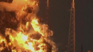 爆発炎上するロケット「ファルコン9」