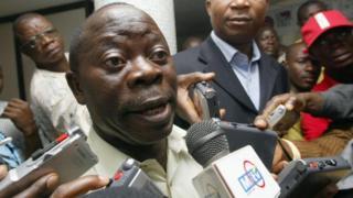 APC National Chairman Adams Oshiomhole dey tok to tori pipo