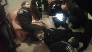 Polícia detém homem sob efeito da droga