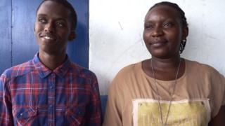 Anthony na Jacqueline wanatoa mafunzo nchini Kenya ya namna ya kuzuia unyanyasaji wa kingono