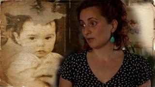 Silvia Forasassi com a imagem de uma criança pequena