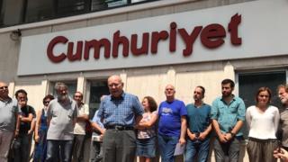 Cumhuriyet gazetesinin tutuksuz yargılanan yazarlarından Aydın Engin