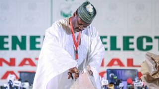 Farfesa Mahmood Yakubu shugaban Zaben Nigeria